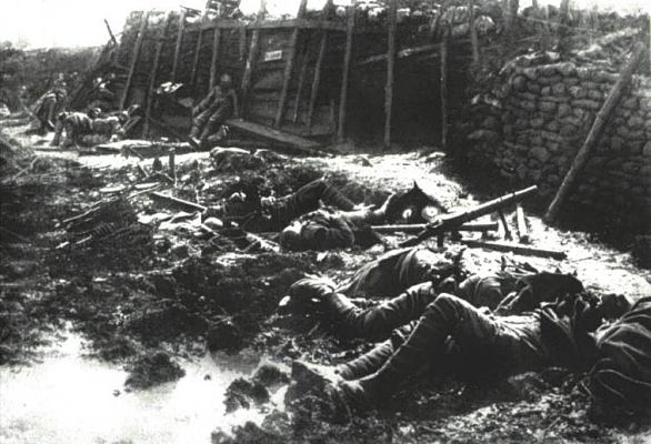 07-trenches-after-the-attack-gw000