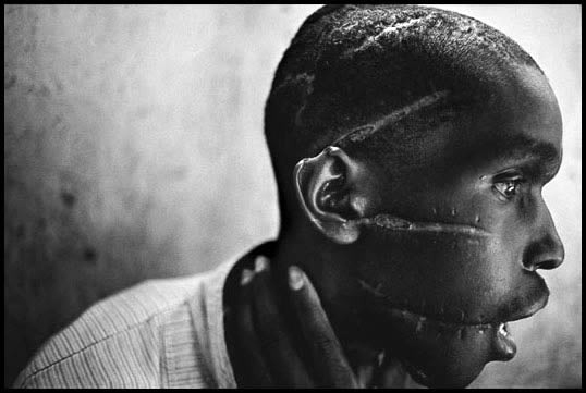 Rwanda 1994, photography by James Nachtwey