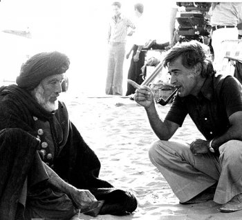 "Anthony Quinn e Moustapha Akkad sul set de ""The Lion of the Desert"""
