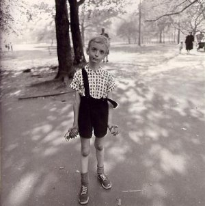Child with Toy Hand Grenade in Central Park - Diane Arbus