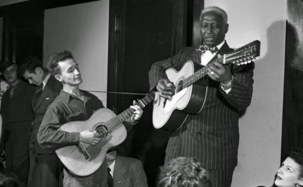 Leadbelly e Woody Guthrie, 1940